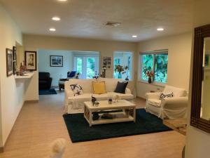 18 Slash Pine Drive Boynton Beach FL 33436