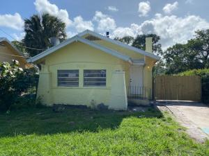 3219 Pinewood Avenue, West Palm Beach, FL 33407