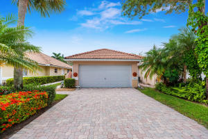5553 Grande Palm Circle, Delray Beach, FL 33484