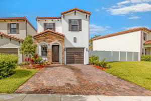 6011 Pine Tree Way, Palm Beach Gardens, FL 33410