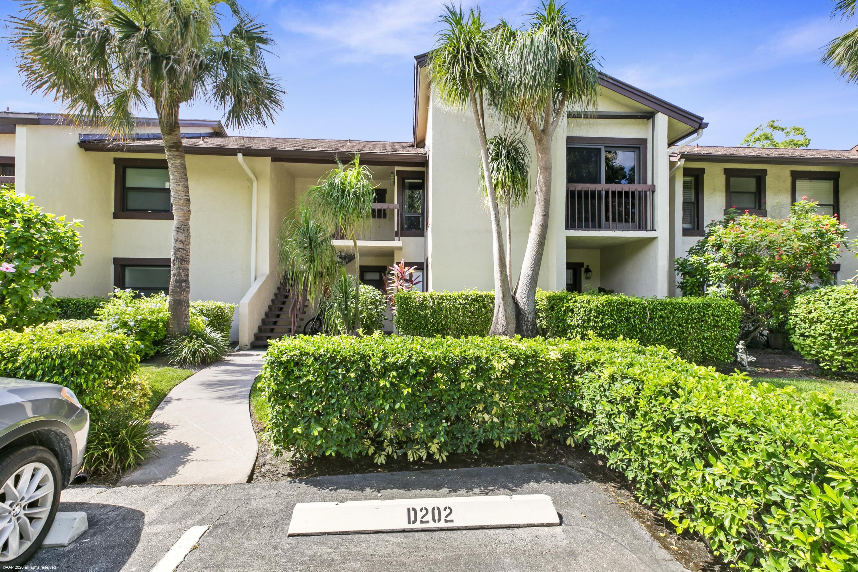 Wellington, Florida 33414, 2 Bedrooms Bedrooms, ,2 BathroomsBathrooms,Rental,For Rent,Pond View,RX-10640503
