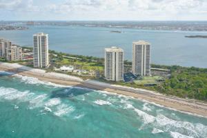 5540 N Ocean Drive, 11 D, Riviera Beach, FL 33404