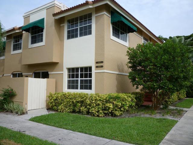 6642 Via Regina Boca Raton, FL 33433