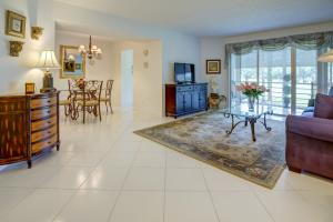 3755 Via Poinciana, 213, Lake Worth, FL 33467