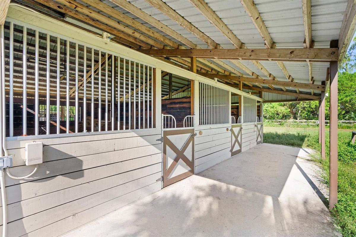 3921 Dellwood Boulevard, Loxahatchee, Florida 33470, ,0.1 BathroomBathrooms,Barn,For Rent,Dellwood,RX-10640847