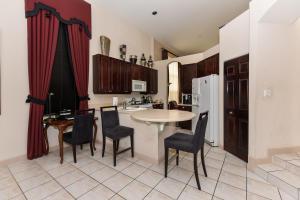 4281 Nw 66th Lane Boca Raton FL 33496