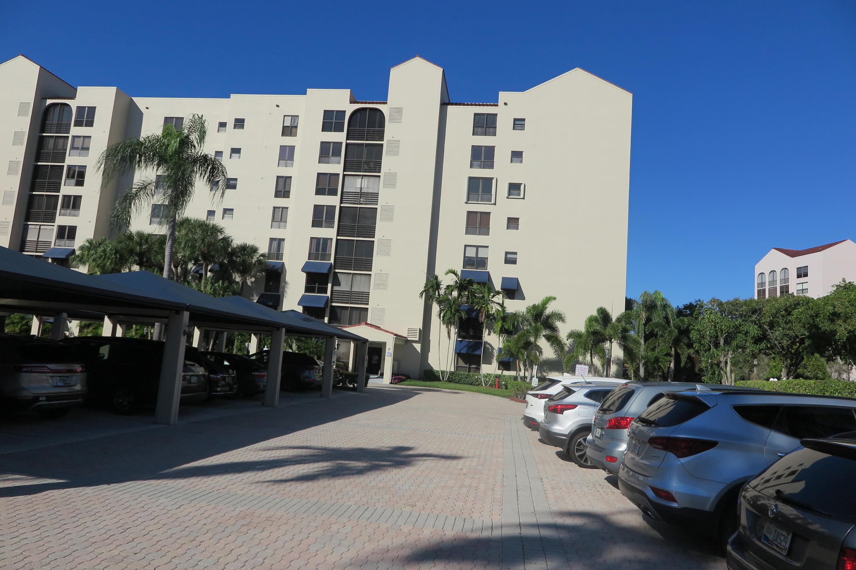 7582 Regency Lake Drive UNIT 701 Boca Raton, FL 33433