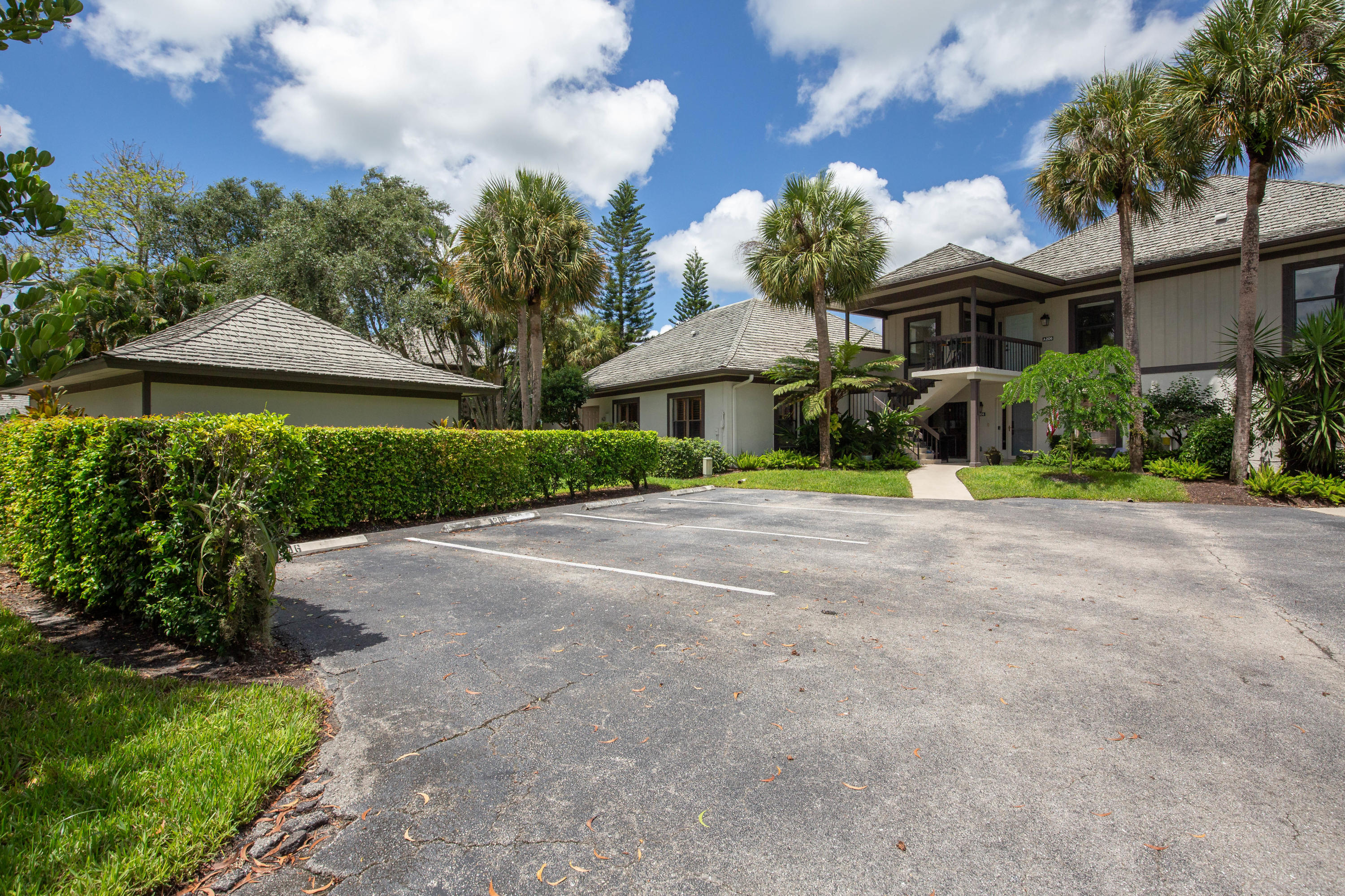 Wellington, Florida 33414, 3 Bedrooms Bedrooms, ,3 BathroomsBathrooms,Residential,For Sale,Polo Club,RX-10640431