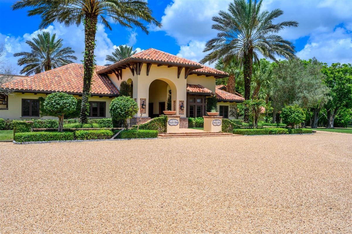Wellington, Florida 33449, 3 Bedrooms Bedrooms, ,2 BathroomsBathrooms,Rental,For Rent,125th,RX-10641900