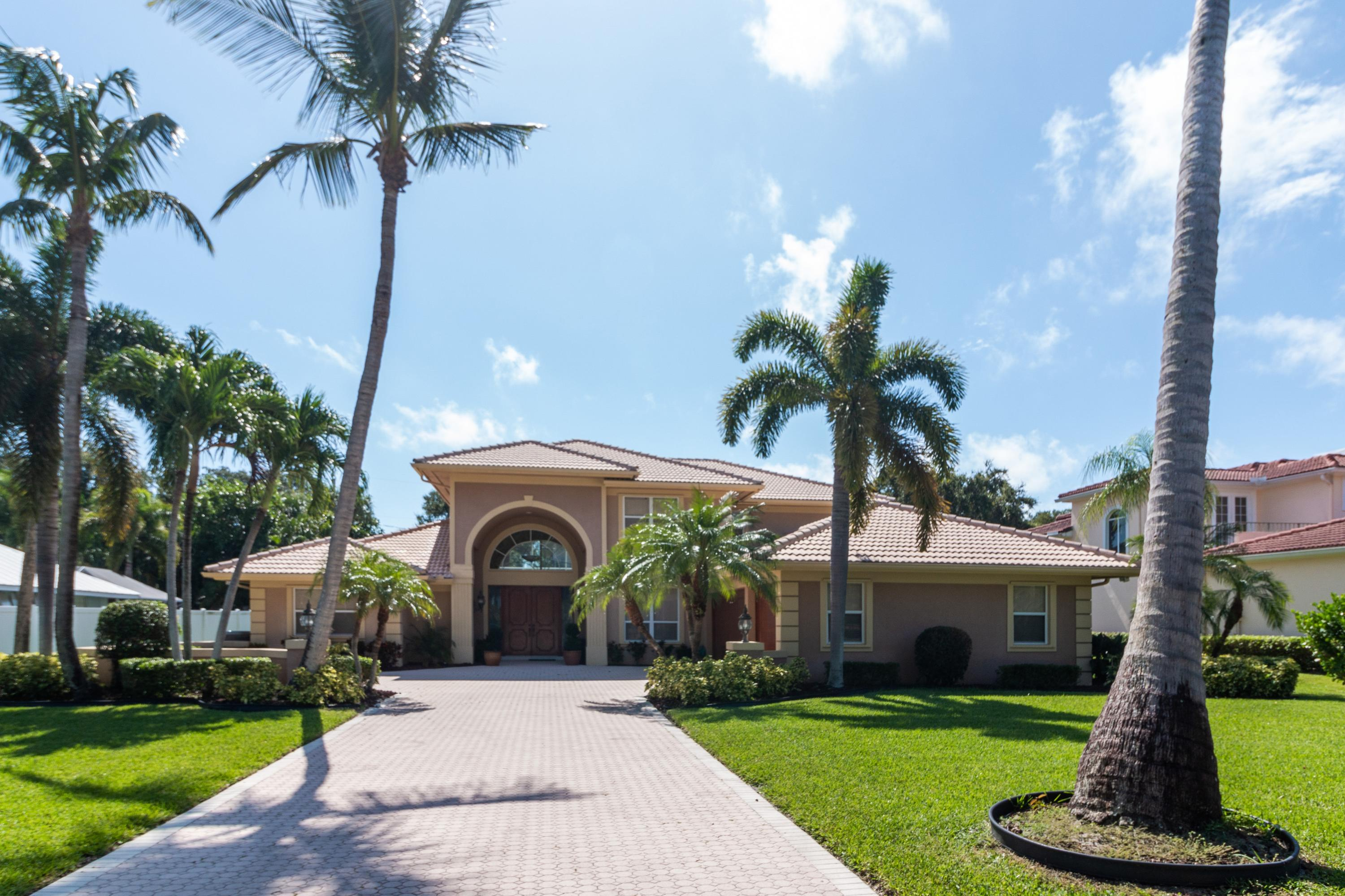 Details for 36 High Point Road W, Sewalls Point, FL 34996