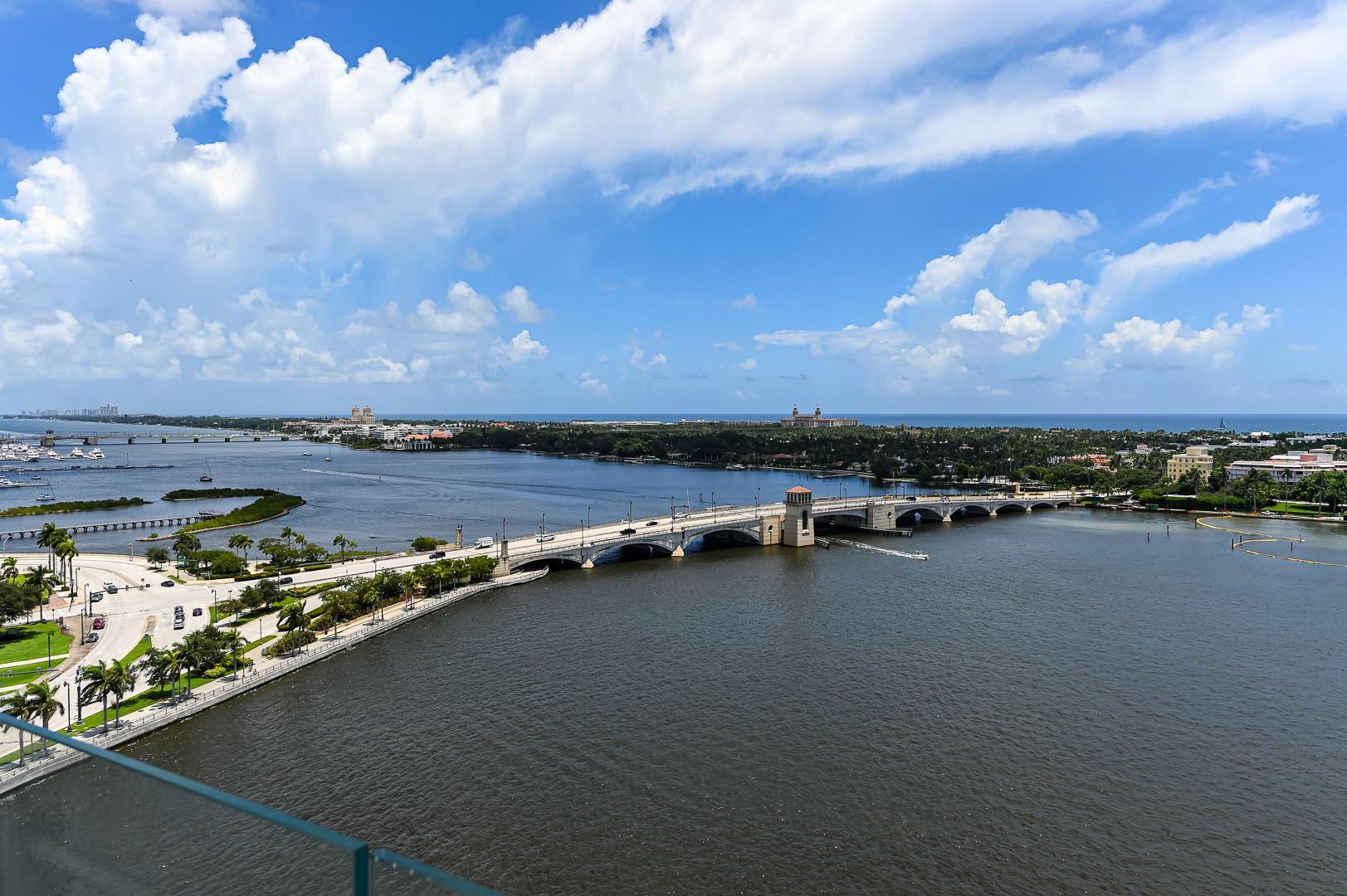 Photo of 1100 S Flagler Drive #1503, West Palm Beach, FL 33401