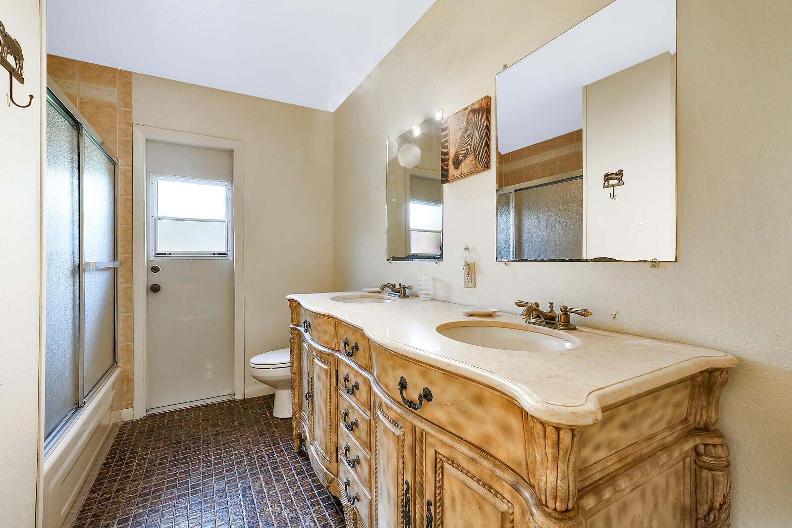 Loxahatchee Groves, Florida 33470, 5 Bedrooms Bedrooms, ,4 BathroomsBathrooms,Residential,For Sale,Timberlane,RX-10640192