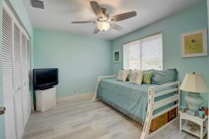 6817 Via Regina Boca Raton FL 33433
