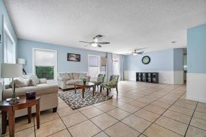 21301 Sawmill Court Boca Raton FL 33498