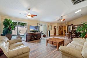 5293 Eagle Lake Drive, Palm Beach Gardens, FL 33418
