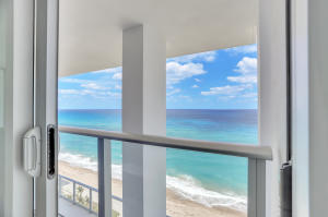 Guest Suite 3 Viewing Balcony