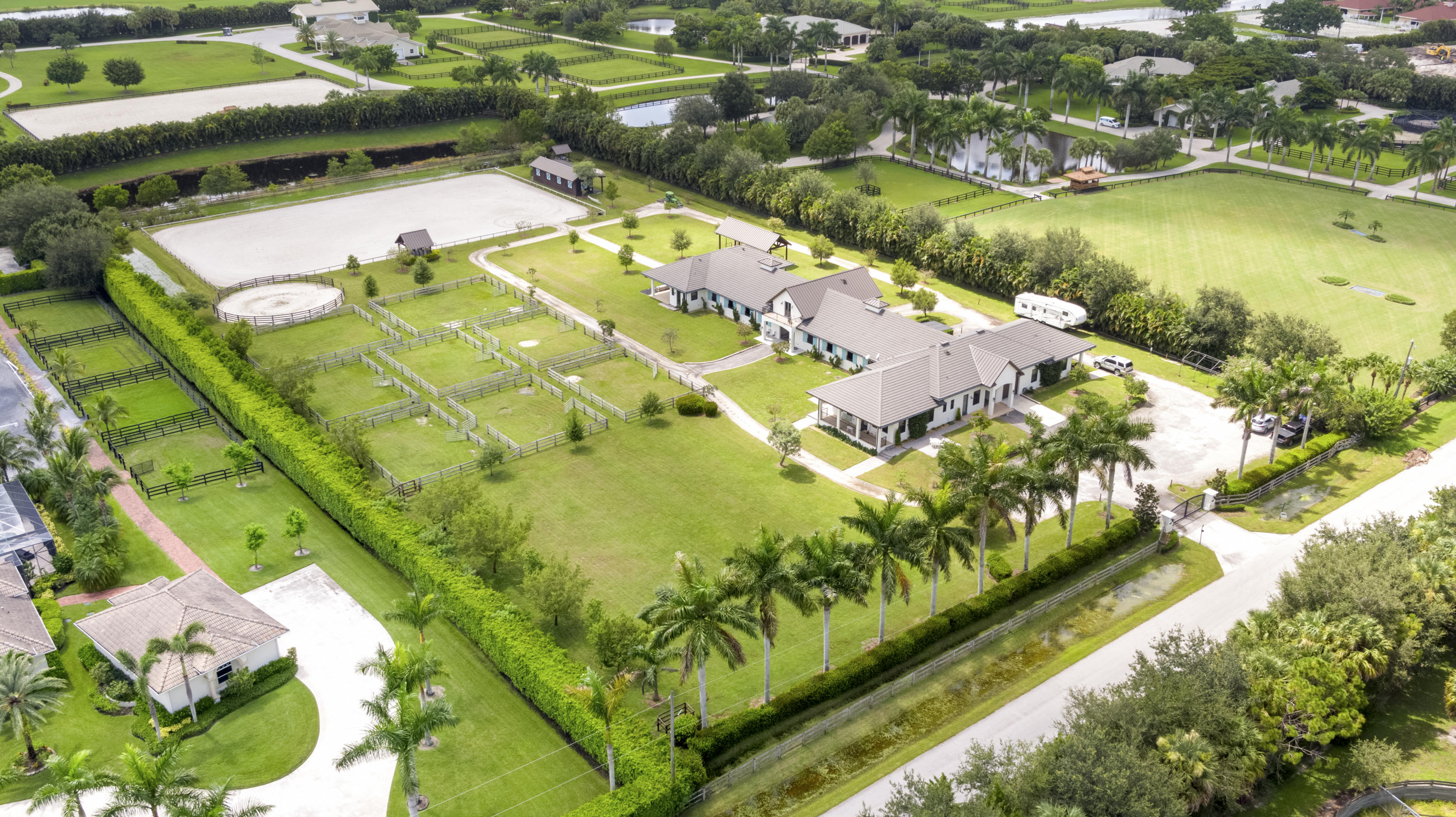 4915 Stables Way, Wellington, Florida 33414, 4 Bedrooms Bedrooms, ,5 BathroomsBathrooms,Barn,For Rent,Stables,1,RX-10643414