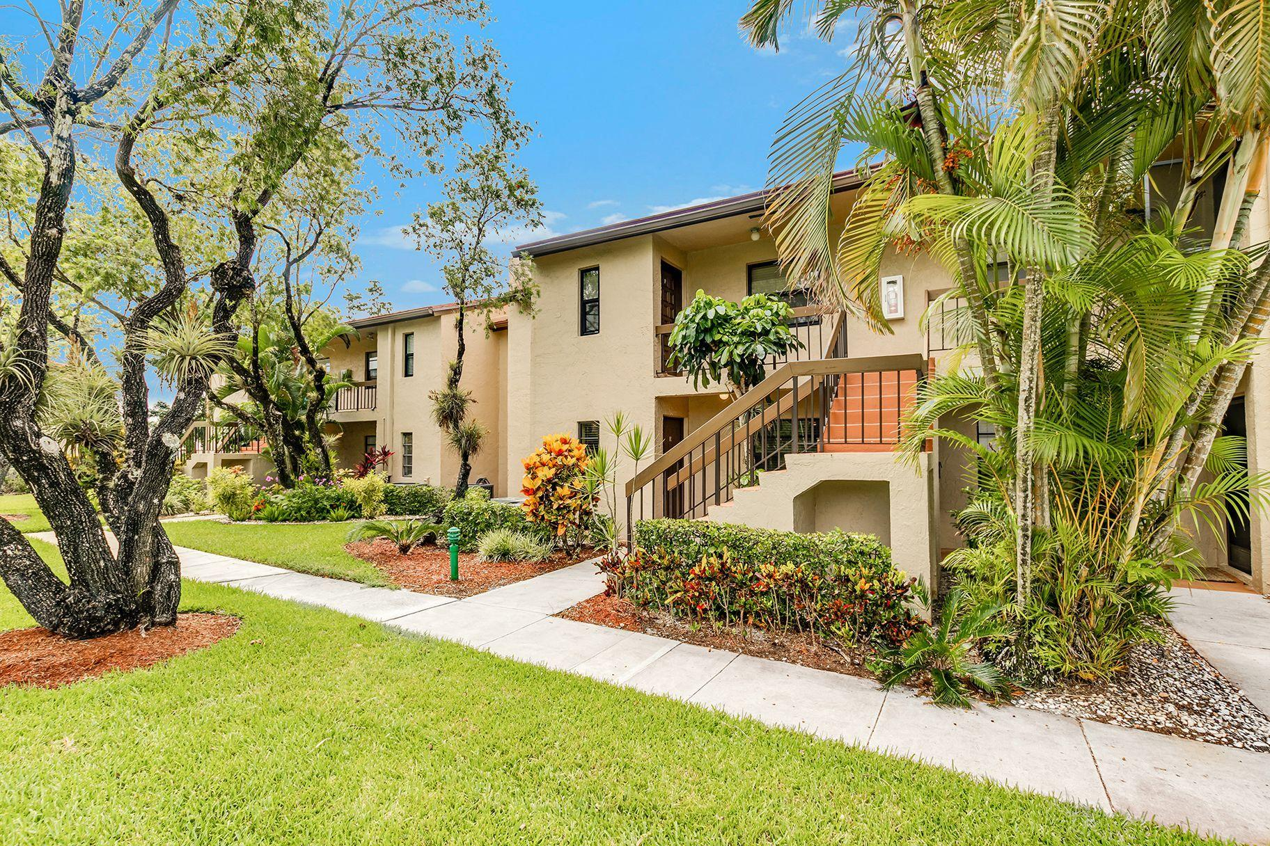 21219 Lago Circle UNIT 5e Boca Raton, FL 33433