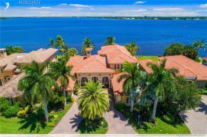 154 SW Palm Cove Drive, Palm City, FL 34990