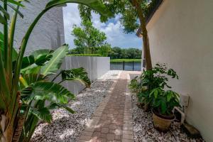 23177 Via Stel Boca Raton FL 33433