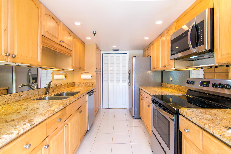 899  Jeffery Street 105 For Sale 10643711, FL