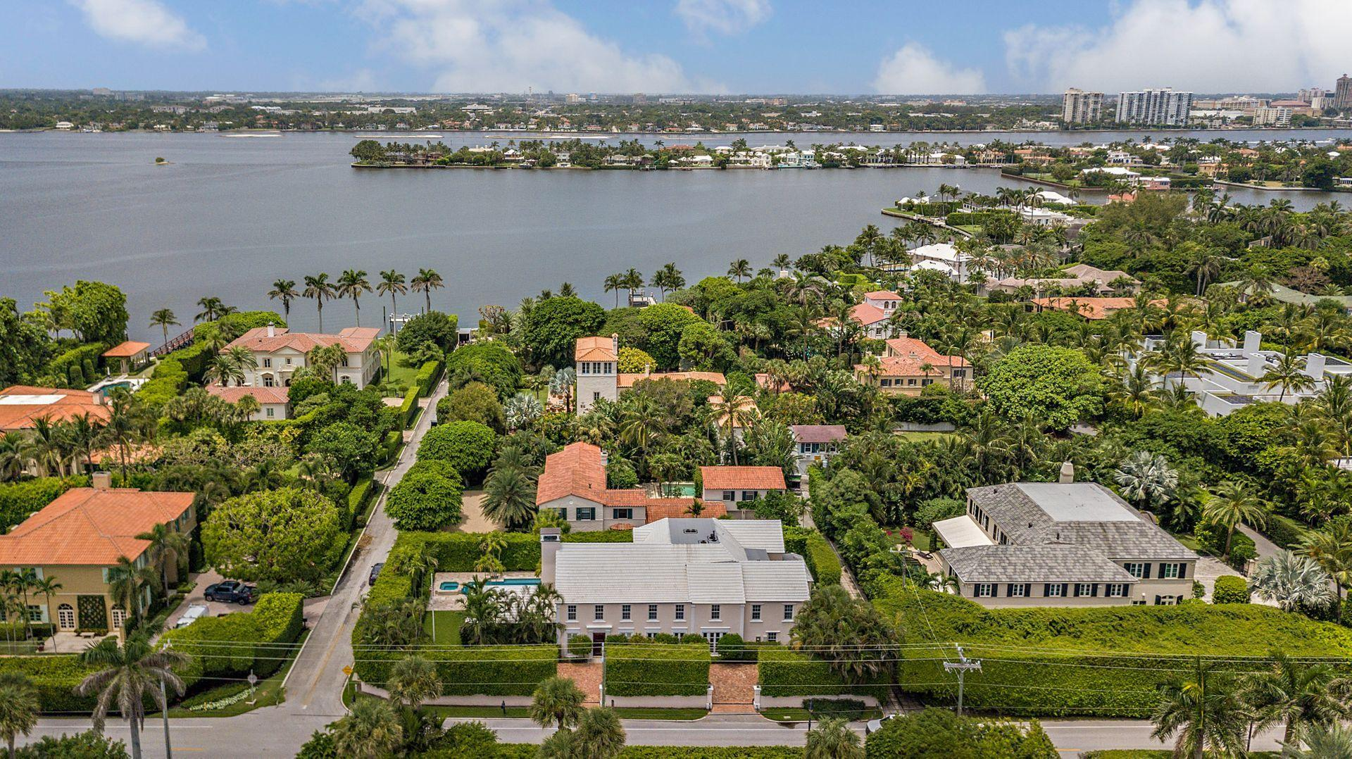 Palm Beach, Florida 33480, 6 Bedrooms Bedrooms, ,7 BathroomsBathrooms,Residential,For Sale,Banyan,RX-10641076