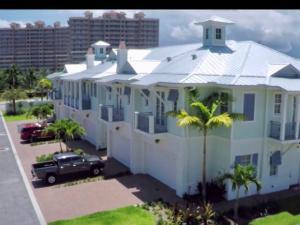 108 Ocean Breeze Drive, Juno Beach, FL 33408