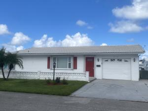 2116 SW 22nd Court, Boynton Beach, FL 33426