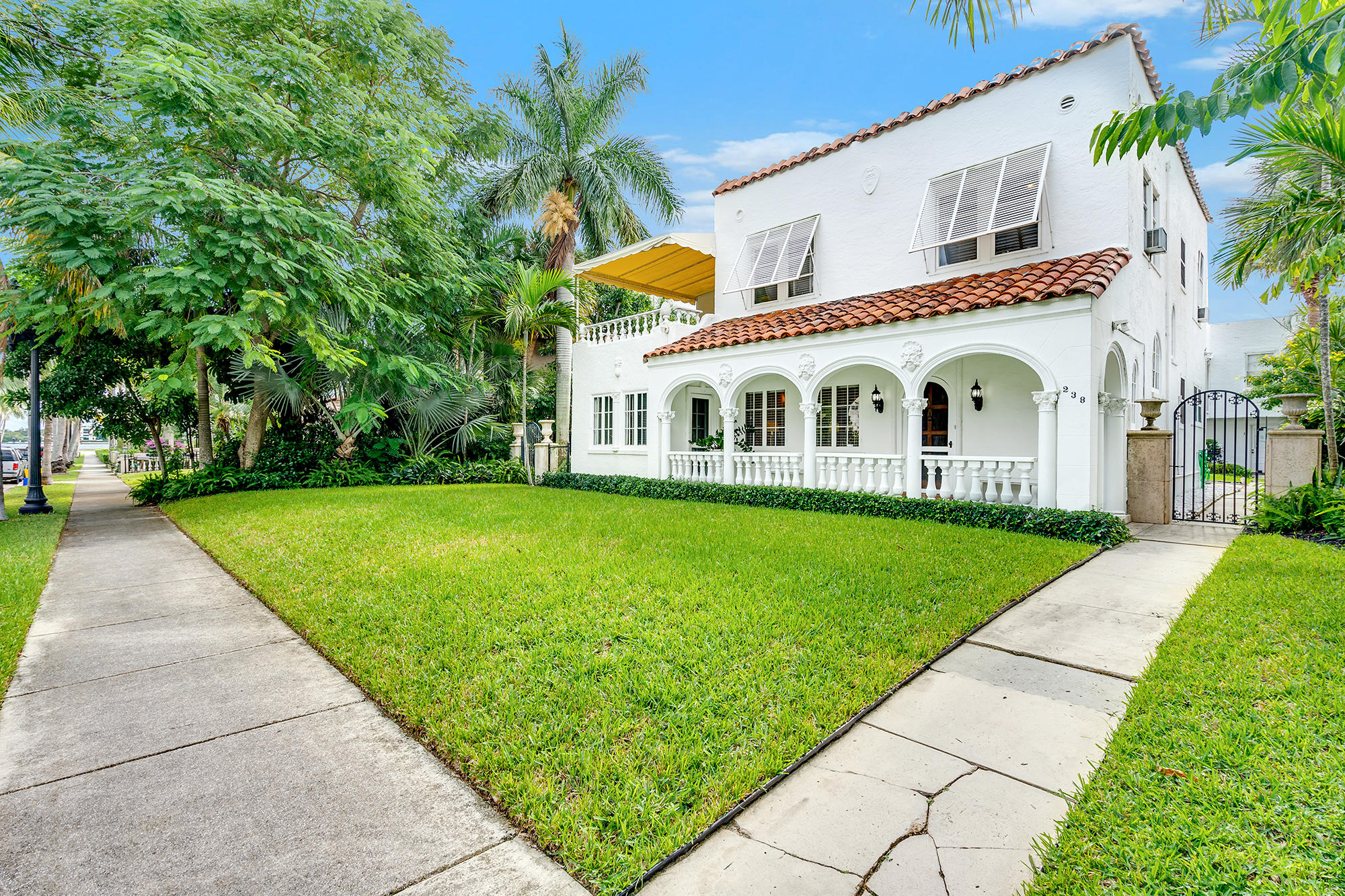 238 9th Street, West Palm Beach, Florida 33401, 4 Bedrooms Bedrooms, ,3 BathroomsBathrooms,Single Family,For Sale,9th,RX-10647532
