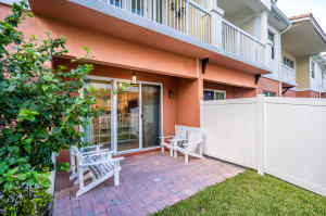 100 Nw 69th Circle Boca Raton FL 33432