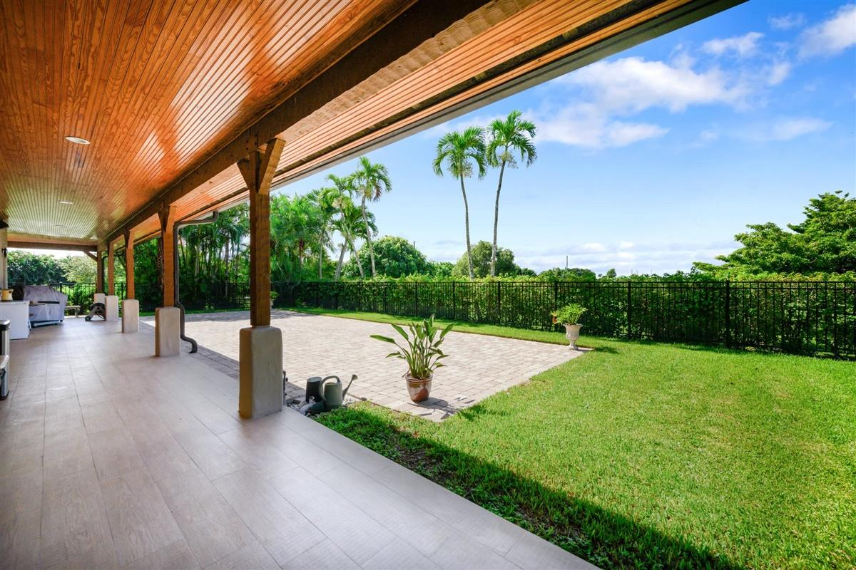 Wellington, Florida 33449, 4 Bedrooms Bedrooms, ,5 BathroomsBathrooms,Residential,For Sale,140th,RX-10644992