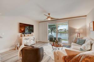 910 E Jeffery Street Boca Raton FL 33487