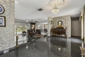 800 Sw 17th Street Boca Raton FL 33486