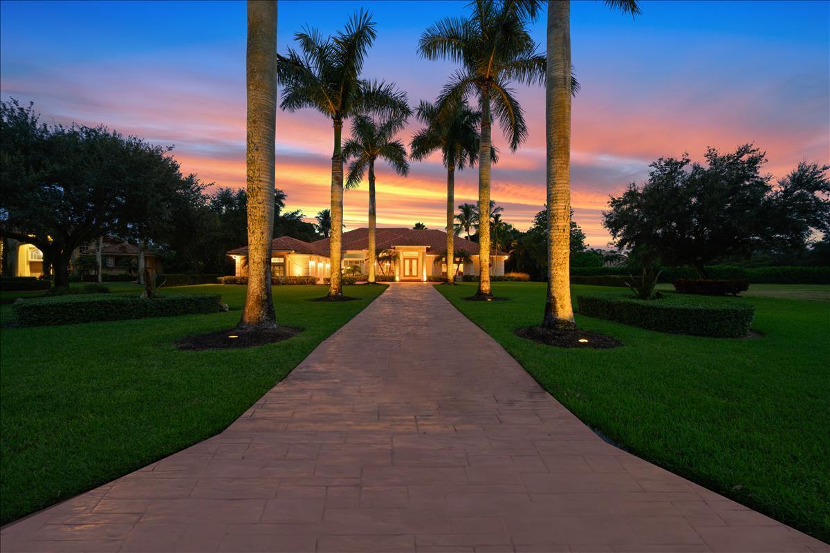 Wellington, Florida 33414, 5 Bedrooms Bedrooms, ,3 BathroomsBathrooms,Residential,For Sale,Earhart,RX-10645925