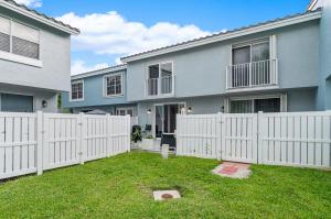 1052 E Jeffery Street Boca Raton FL 33487
