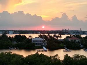 3589 S Ocean Boulevard, 809, South Palm Beach, FL 33480