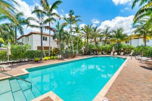 578 Nw Crane Ter Boca Raton FL 33432