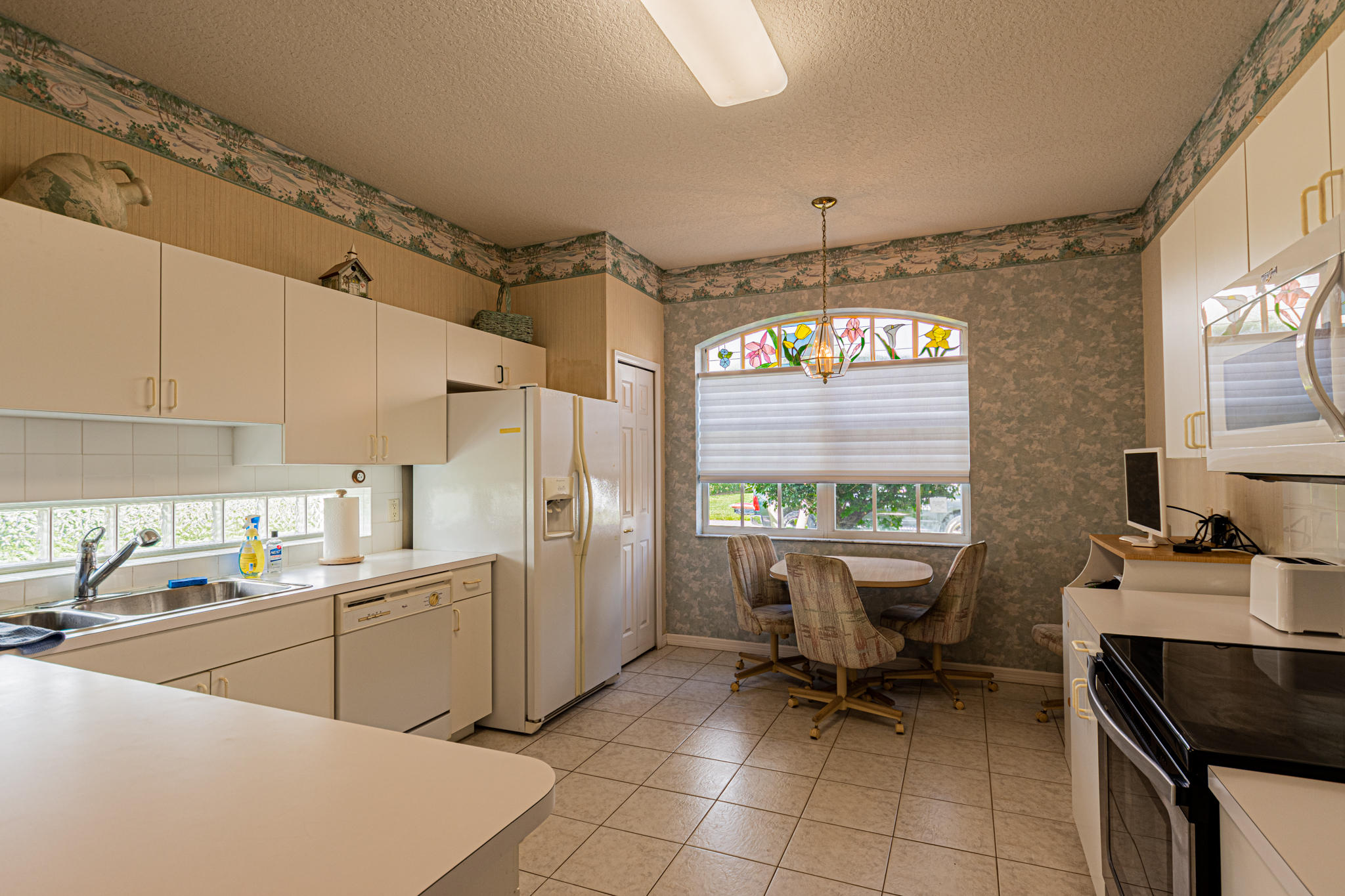 Lisitng Image number6 for 850 Sarria Court Nw
