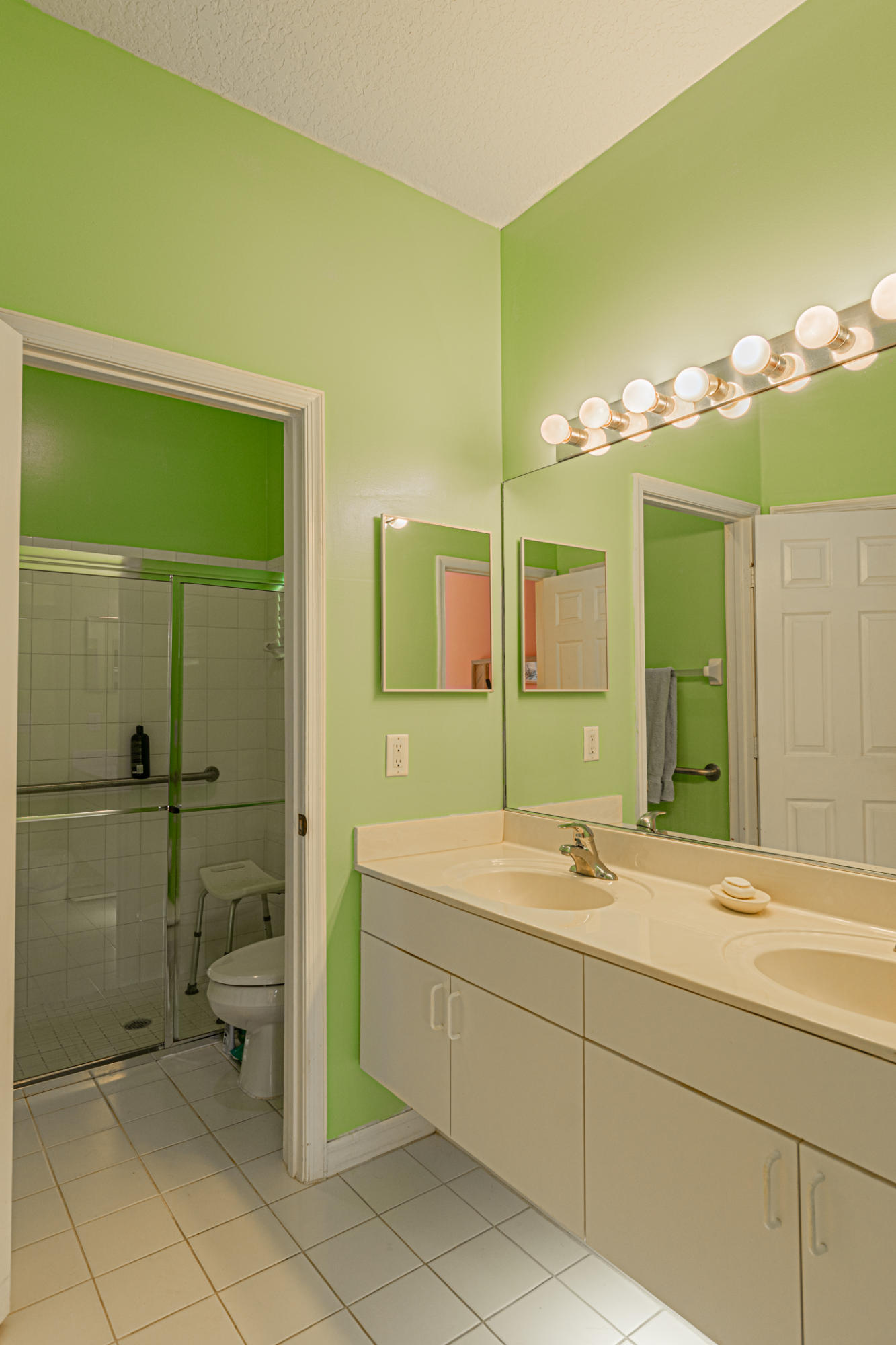 Lisitng Image number9 for 850 Sarria Court Nw