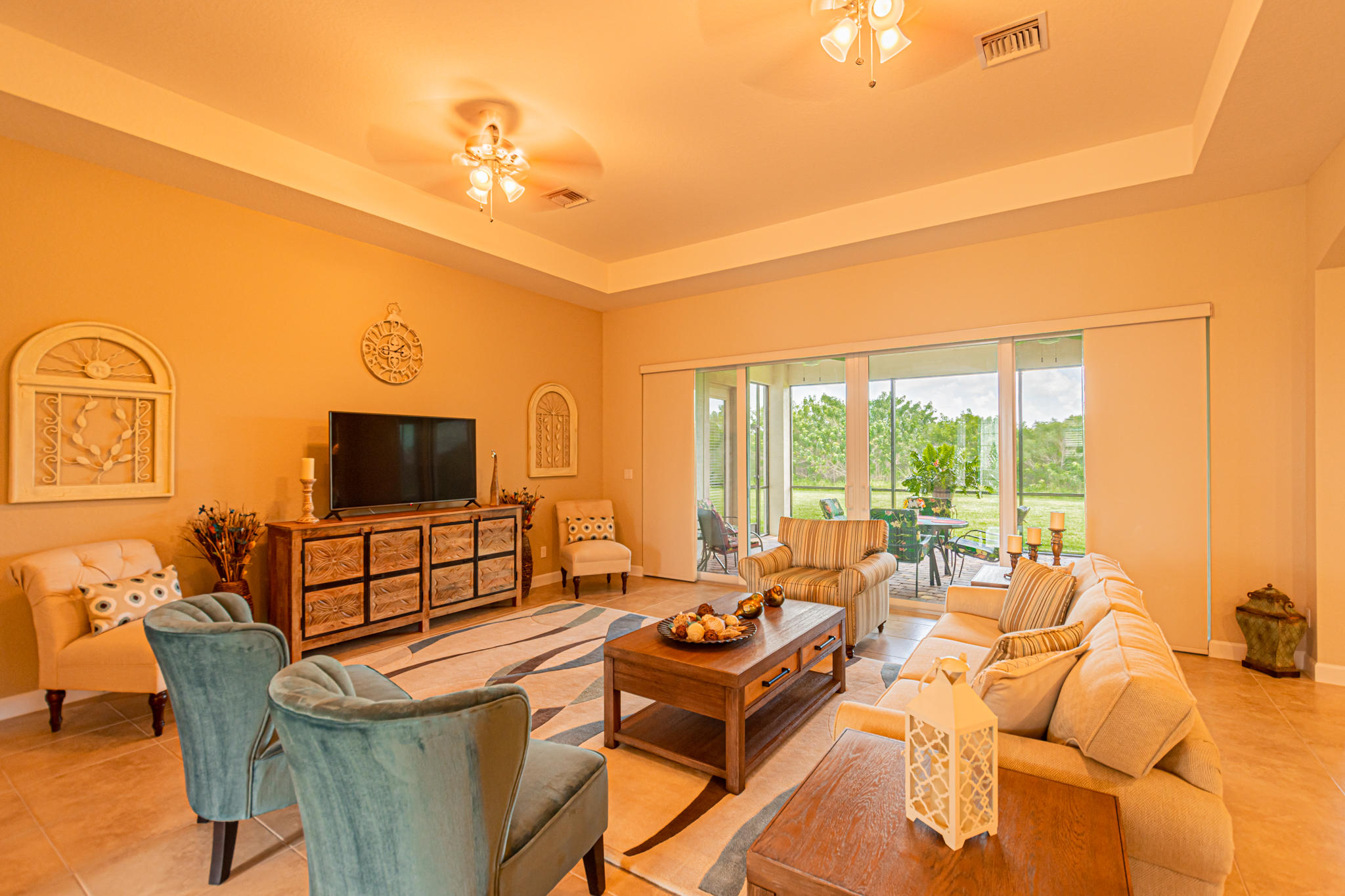 Lisitng Image number3 for 11925 Aventino Drive Sw