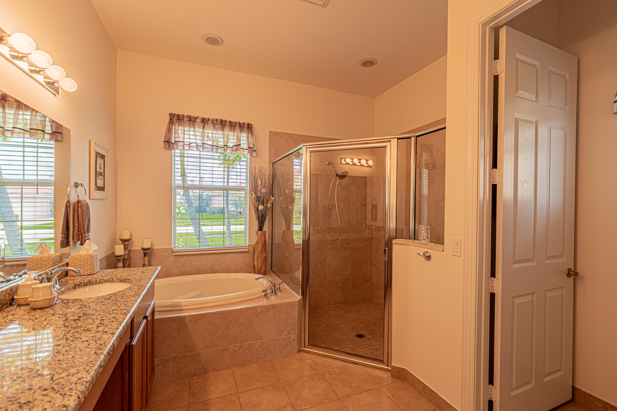 Lisitng Image number13 for 11925 Aventino Drive Sw