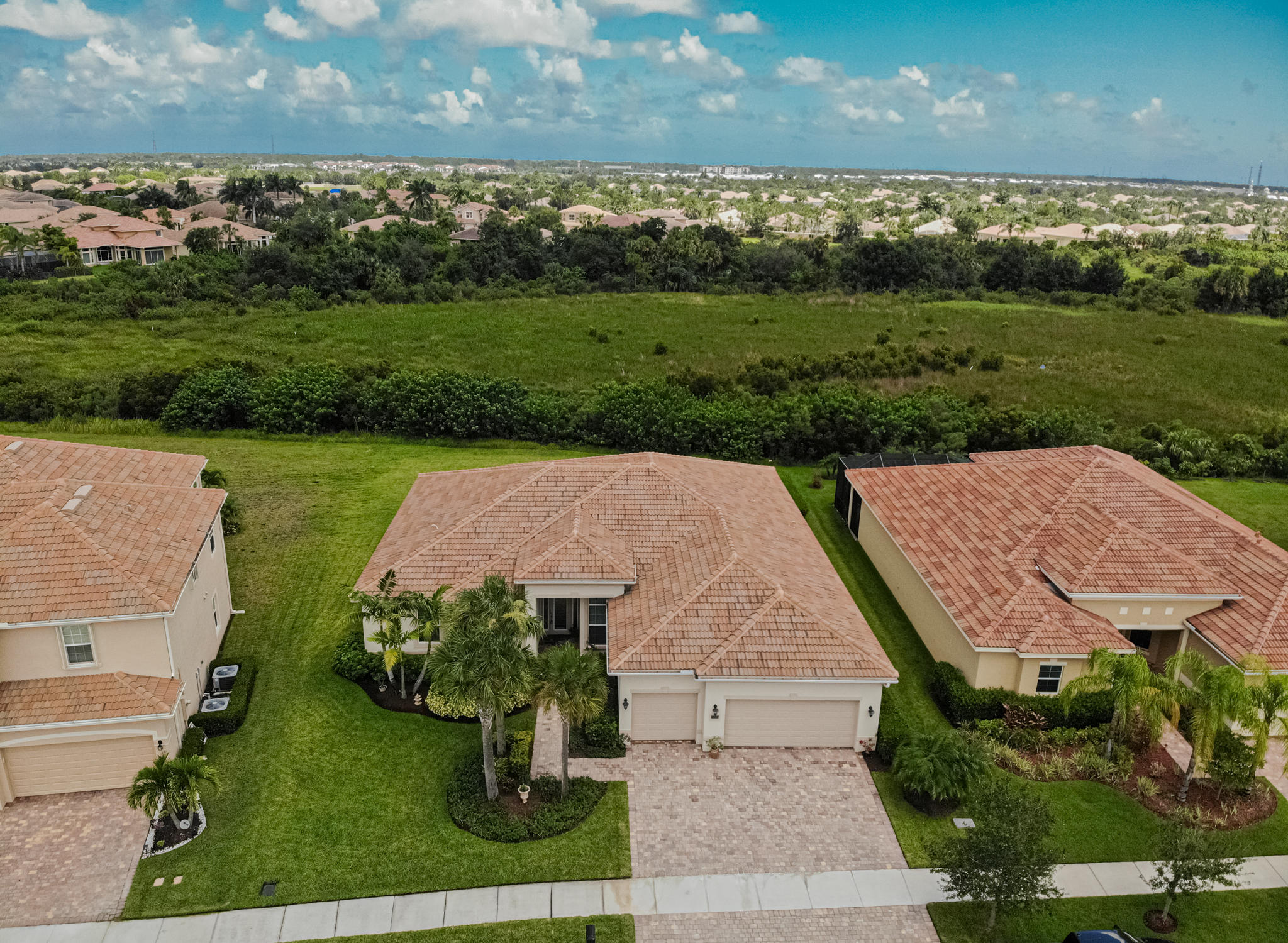 Lisitng Image number2 for 11925 Aventino Drive Sw