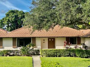 817 Club Drive, Palm Beach Gardens, FL 33418