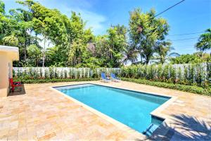 1098 Sw 12th Avenue Boca Raton FL 33486