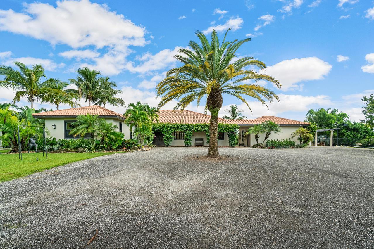 Wellington, Florida 33449, 7 Bedrooms Bedrooms, ,5 BathroomsBathrooms,Rental,For Rent,60th,RX-10650975