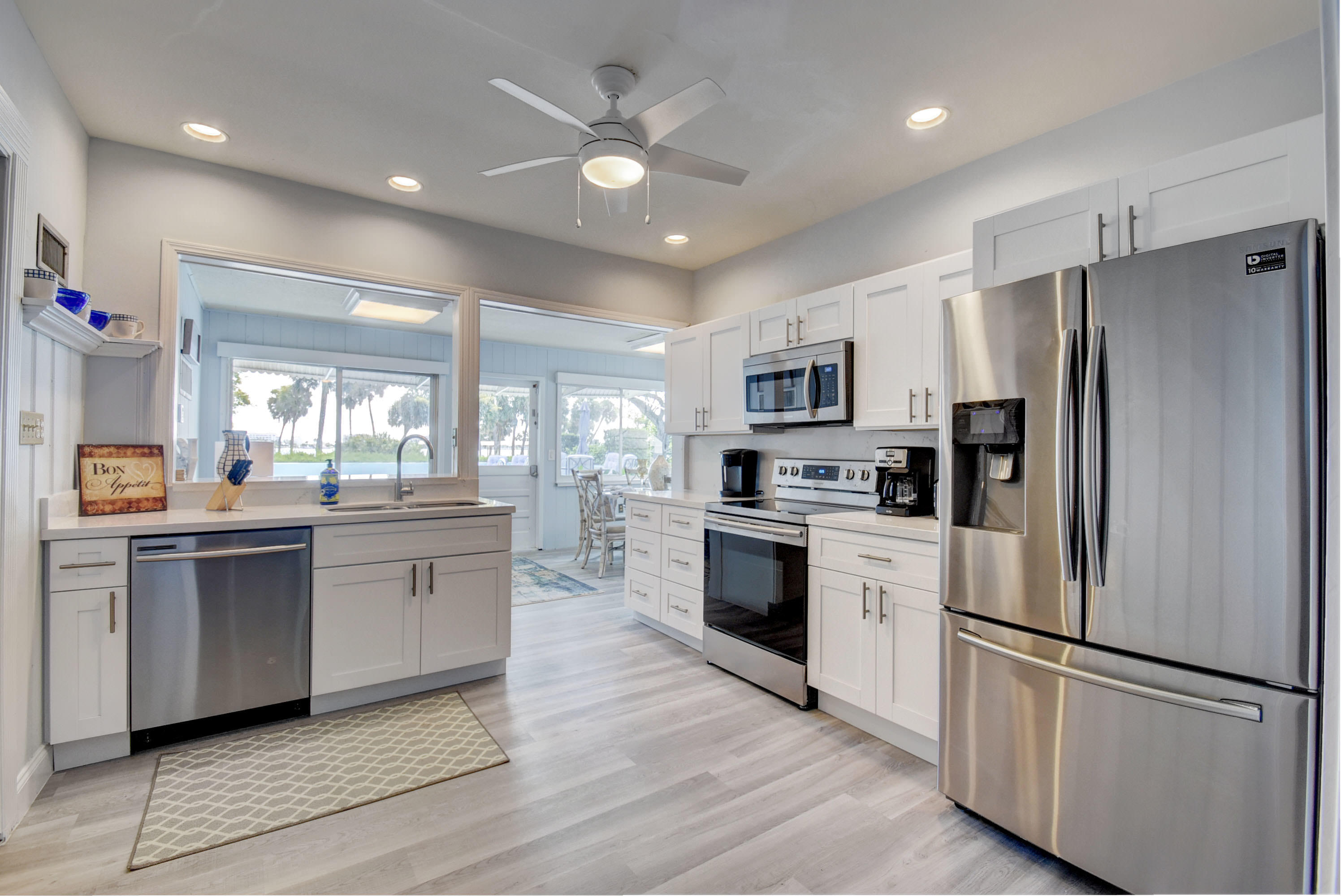 312 Lakeside Drive, Lake Worth Beach, Florida 33460, 6 Bedrooms Bedrooms, ,4 BathroomsBathrooms,Single Family,For Rent,Lakeside,1,RX-10651645