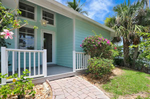 401 Seaside Lane, Juno Beach, FL 33408