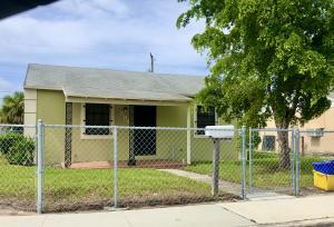 594 W 3rd Street, Riviera Beach, FL 33404