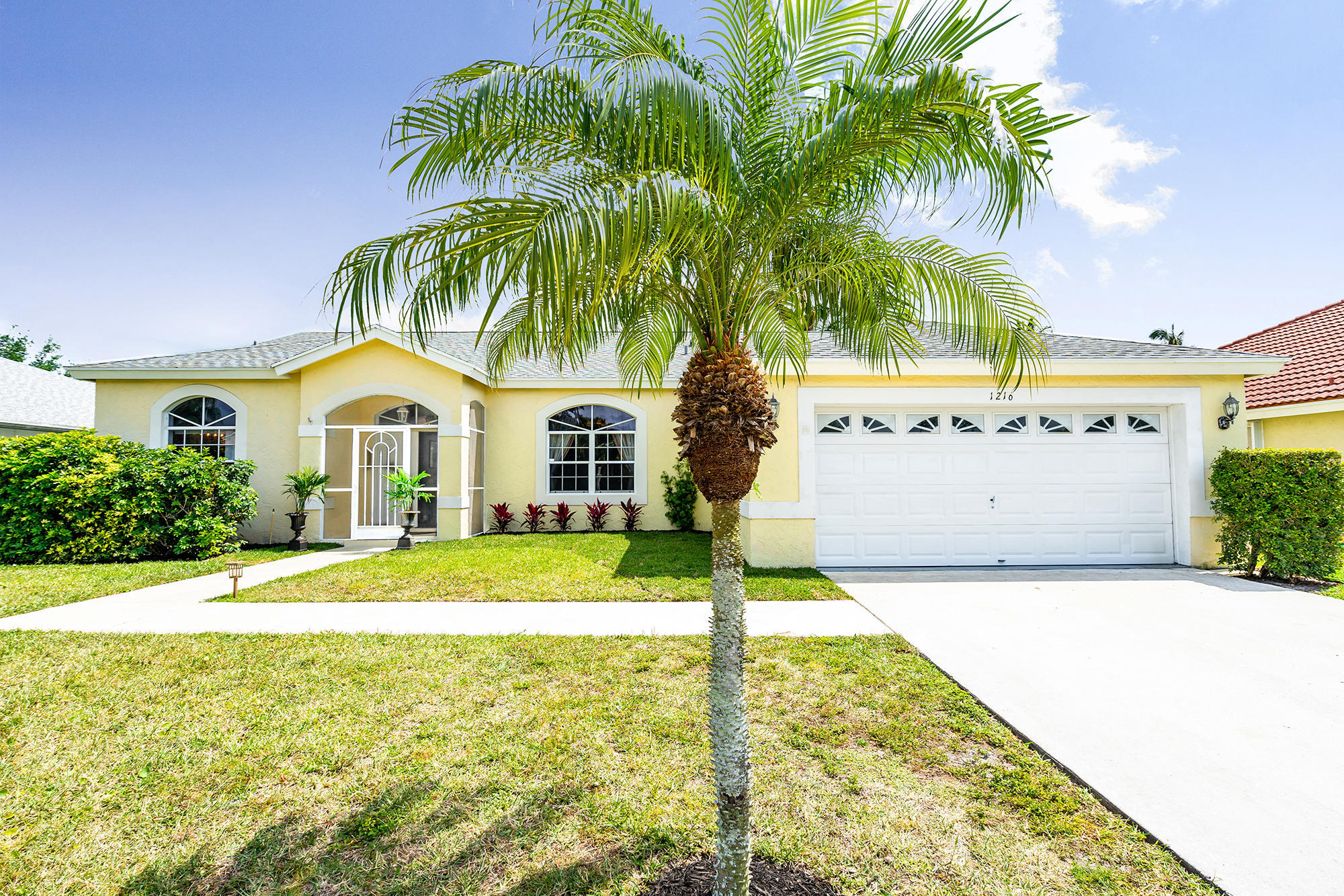 1216 Lake Breeze Drive, Wellington, Florida 33414, 4 Bedrooms Bedrooms, ,2 BathroomsBathrooms,Single Family,For Rent,Lake Breeze,RX-10653452