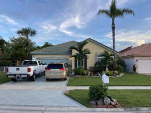 125 N Derby Ln, Royal Palm Beach, FL 33411